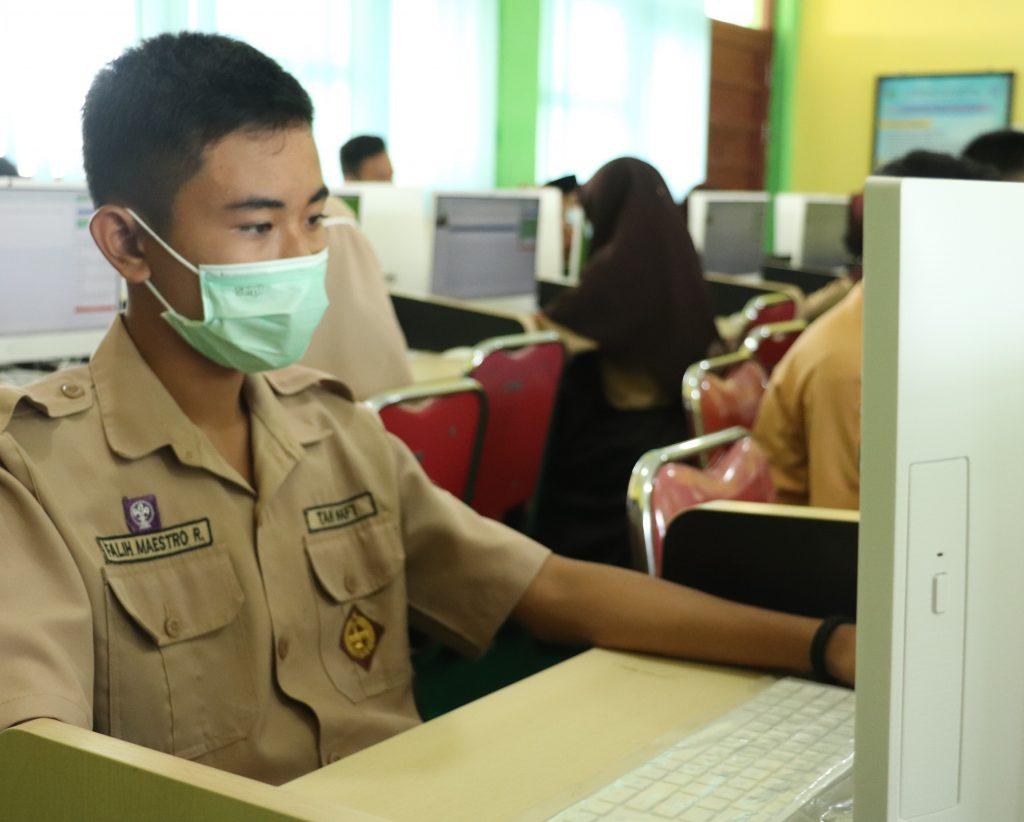 Pelaksanaan Kegiatan Computer Based Tes (CBT) SNPDB 2021